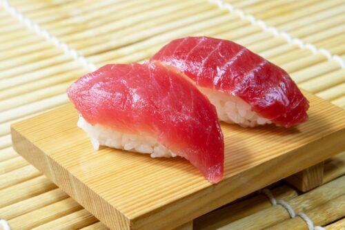 マグロ,寿司